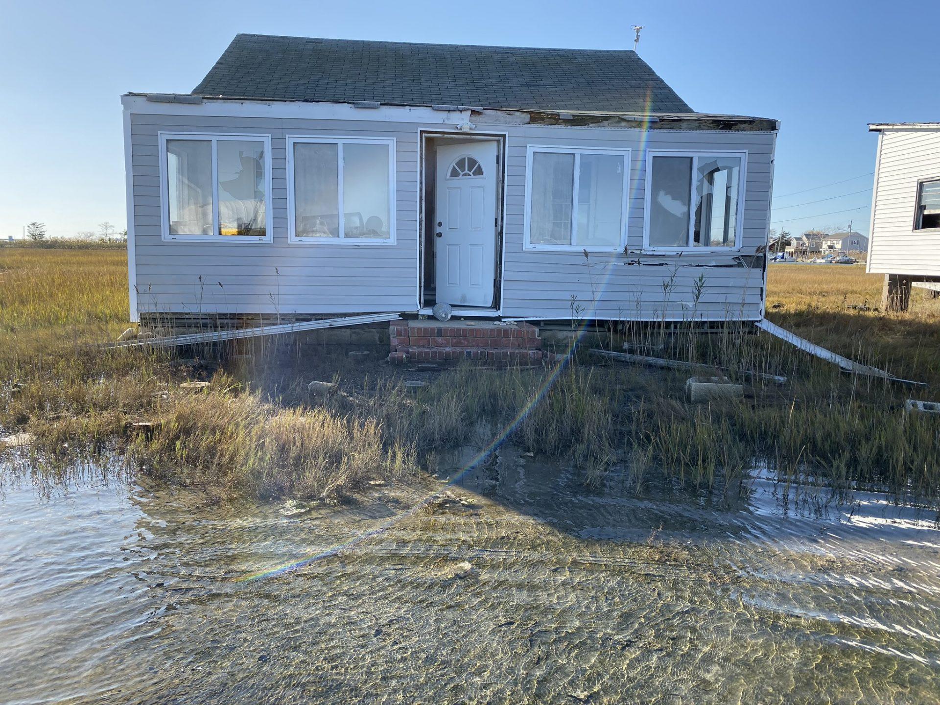 Mastic Beach flooding abandoned house
