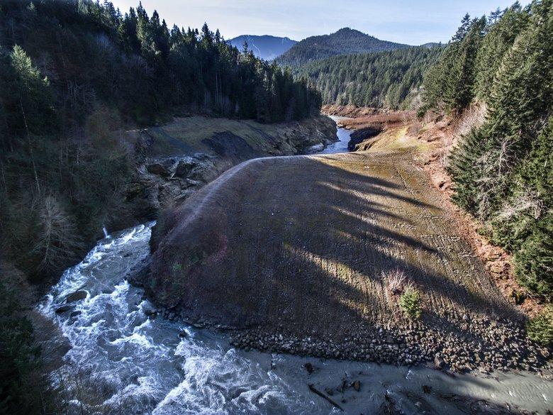 Elwha Dam - After (cc Steve Ringman)